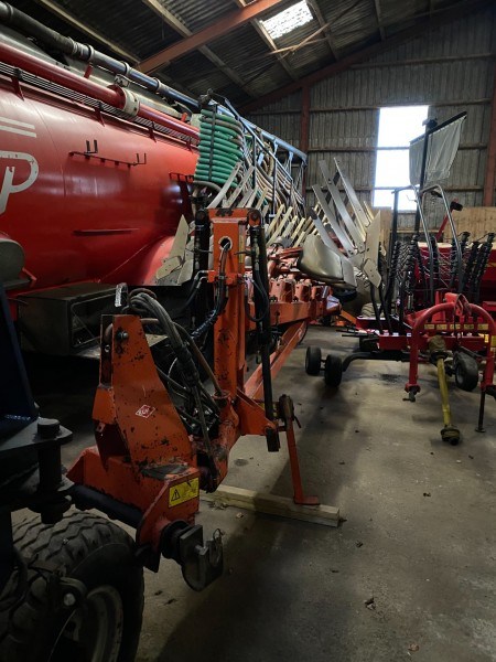 7 furrow semi-trailed reversible plow, Brand: Kuhn, Model: SPF 7ENSH