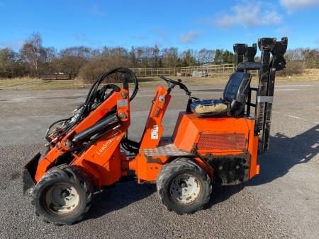Skid steer loader, make: Loadmaster, model: 830