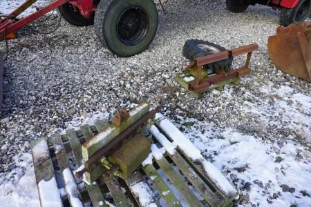 Bag redskab til traktor.