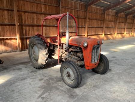 Traktor, mærke: Massey Ferguson, model: 35