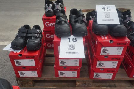 3 pairs of safety shoes, brand: Brynje