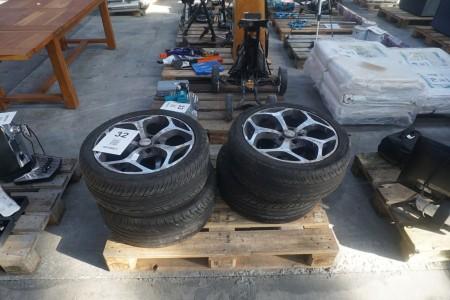 4 stk. bildæk med fælge, mærke på fælg: Arcasting