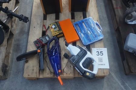 Multimeter + værktøj + støvsuger