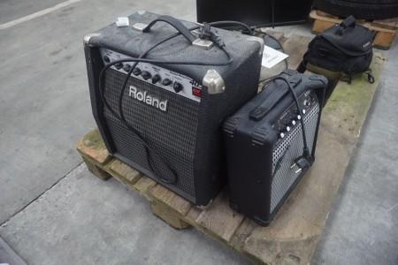 2 stk. forstærkere, mærke: Roland & Gear4music