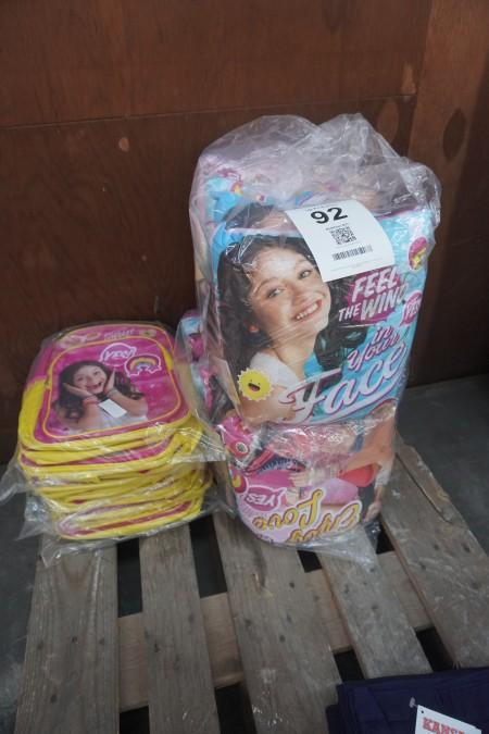 Parti puder og skoletasker, mærke: barbie