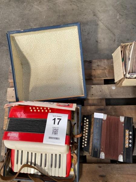2 stk. harmonikaer, mærke: Marina & Galotta