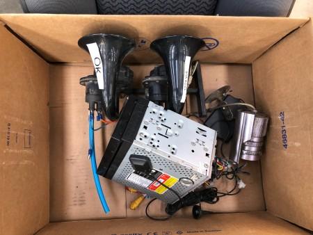 Truck seat, brand: Recaro + train horn + navigation system
