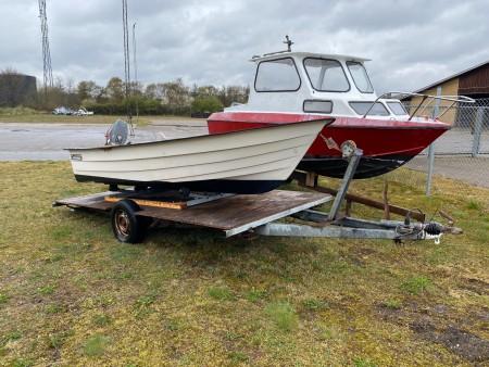 Jolle, mærke: Crescent, med bådmotor