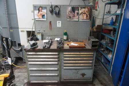 File bench with 2 drawer sections, tool setter, workshop board and vice