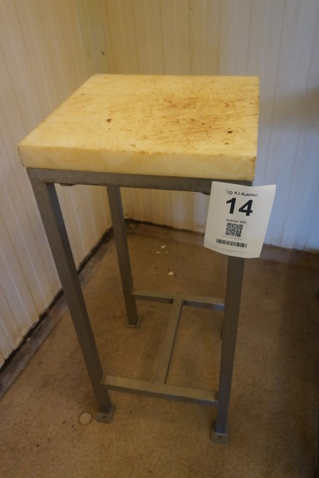 Arbejdsbord med skærebræt