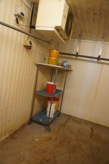 Indhold i kølerum af diverse rulleborde