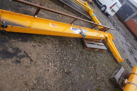 Swivel crane with trolley incl. concrete block for mobile