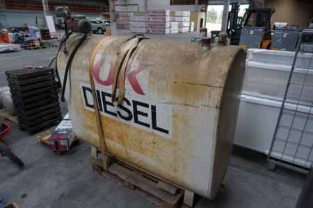 1000 liters brændstoftank med pumpe, mærke: OK
