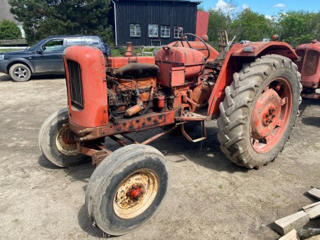 Traktor, Mærke: Nuffield