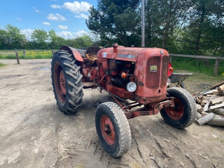 Traktor, Mærke: Nuffield, Model: 10/60