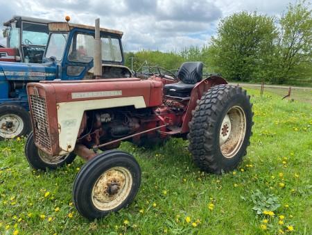 IH Internationale traktor, model: 434 diesel