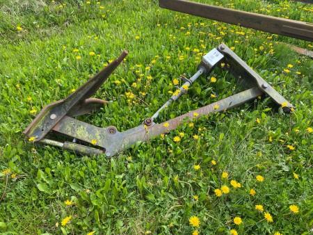 Fangearm for plov