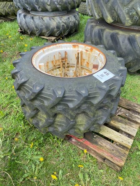 1 set of tires
