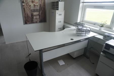Elektrisk skrivebord + arkivskab & kommode