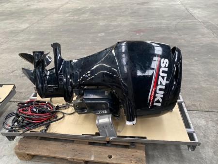 Suzuki Bootsmotor, Modell: Viertakt. 90 PS