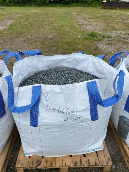 Ca. 900kg graue Granitspäne