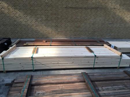 Terrasse aus Kiefer, Marke: SagaWood