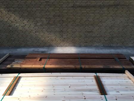 Terrasse termobehandlet fyr, mærke: Saga Wood