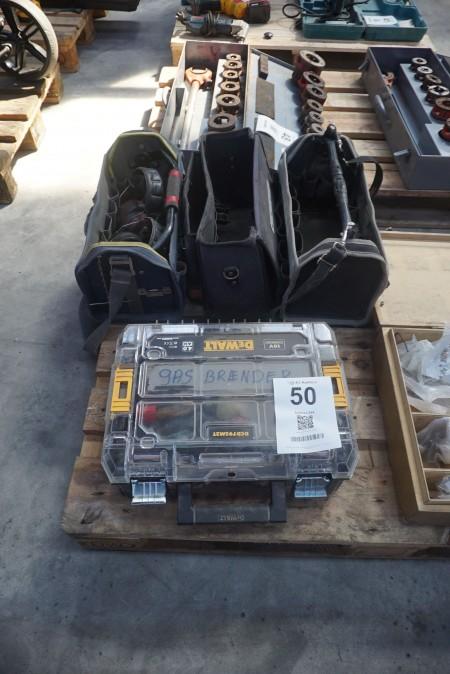Brænder + 2 stk. værktøjskasser mm.