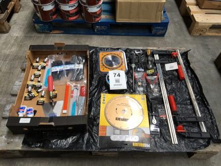 1 kasse blandet værktøj