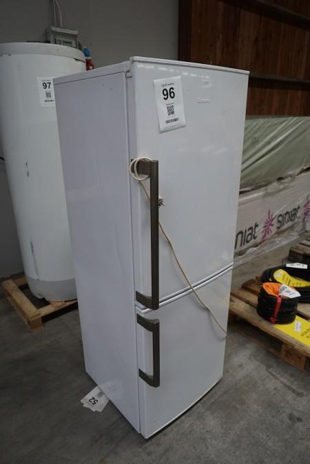 1 stk. køleskab med frys, mærke: GRAM
