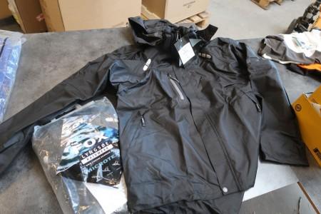 2 stk. jakke str. XL samt 3 stk. trøje str. M