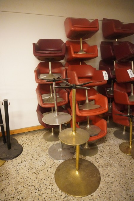 12 stk. loungestole + 4 stel til borde