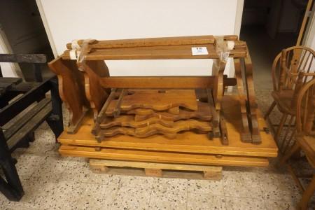 4 bordplader med bordstel i egetræ