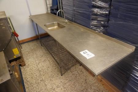Arbejdsbord i rustfri stål med vask