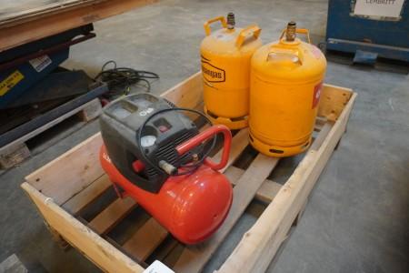 Kompressor; Mærke: Nuair, inkl 2 stk. gasflasker