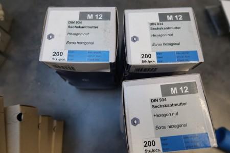 600 stk. møtrikker M12