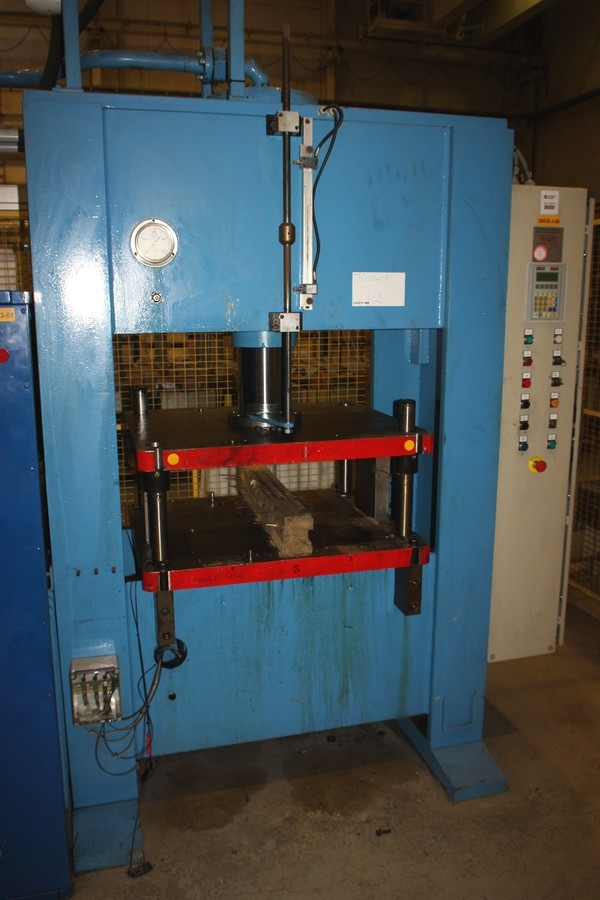 Hydraulic Press, Stenhøj, 200 Ton Vertical Hydraulic Press